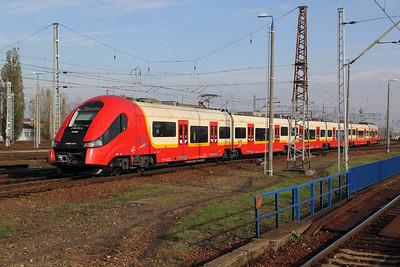 SKM, 2 160 072-6 (PL-SKMWA 94 51 2160 072-6 or 2TWE 012f) at Warsaw Wschodnia on 2nd November 2012