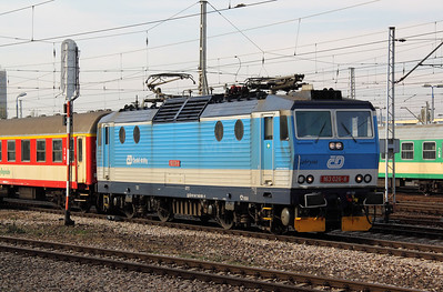 2) CD, 163 026 (CZ CD 91 54 7163 026-8) at Warsaw Wschodnia on 2nd November 2012