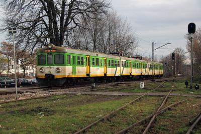 KMK, 2120 819 (PL-KMKOL 94 51 2120 819-9 or EN57 1717rb) at Otwock on 3rd November 2012