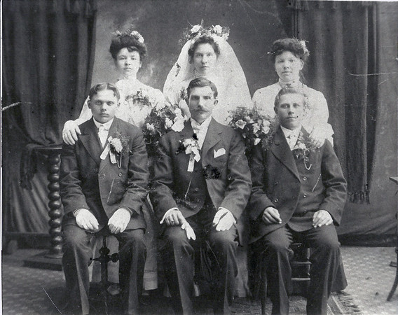 "May 8, 1908 Wedding of Michalina ""Mildred"" Bialik (b. May 9, 1886)  and Wladyslaw ""Walter"" Szymanski (b. June 14, 1878). (courtesy Lottie Keir Moore)"
