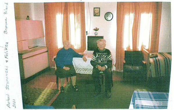 Antoni and Feliksa Szymanski in their house in Bronowo. (courtesy Lottie Keir Moore)