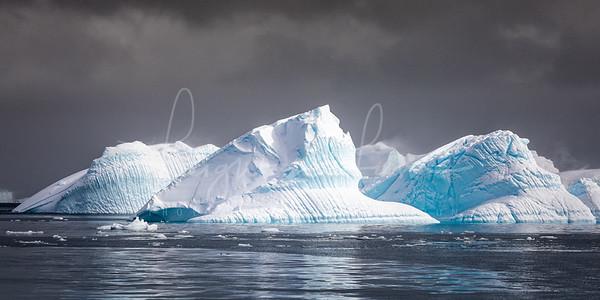 Antarctica Iceburg 1x2