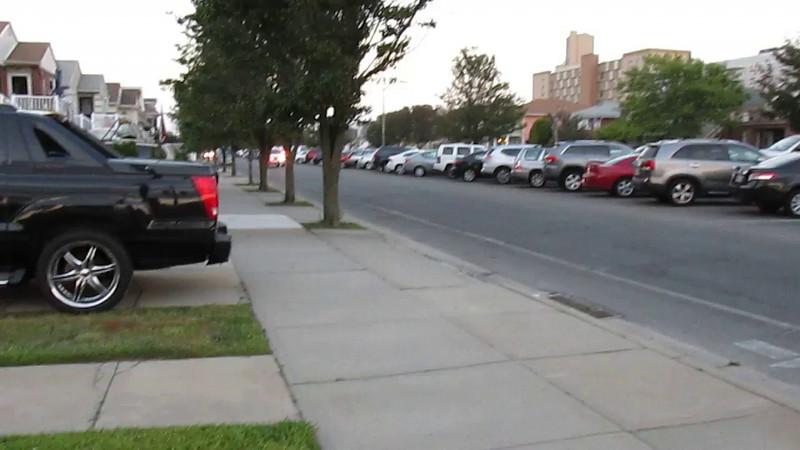 shot of Long Beach Police 468 responding