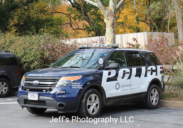 Smithsonian National Zoological Park Police SUV #4004