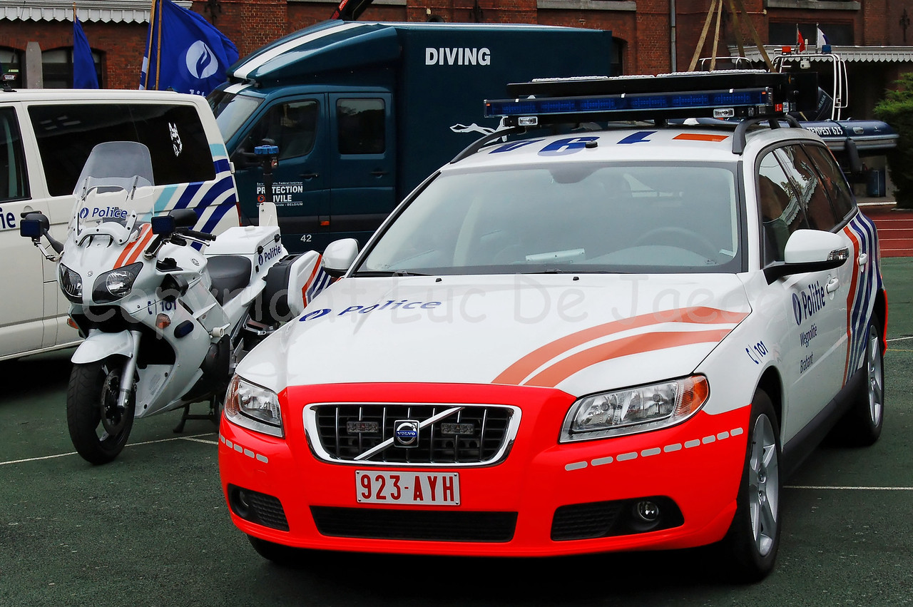 The new Volvo V70 of the Belgian Federal Highway Police. The car is introduced since June 2009.