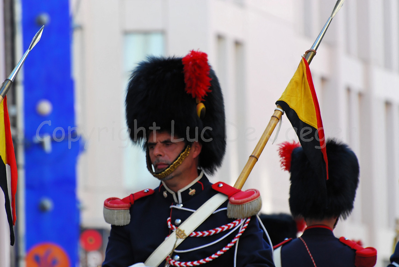 Some 150 members of the Royal Mounted Escort opened the 2008 pageant (historic parade) of the Floralies in Ghent (Gent), Belgium. The Royal Escort is part of the Federal Police.