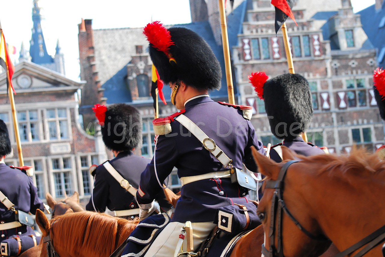 Some 150 members of the Royal Mounted Escort introduced the 2008 pageant (historic parade) of the Floralies in Ghent (Gent), Belgium. The Royal Escort is part of the Federal Police.