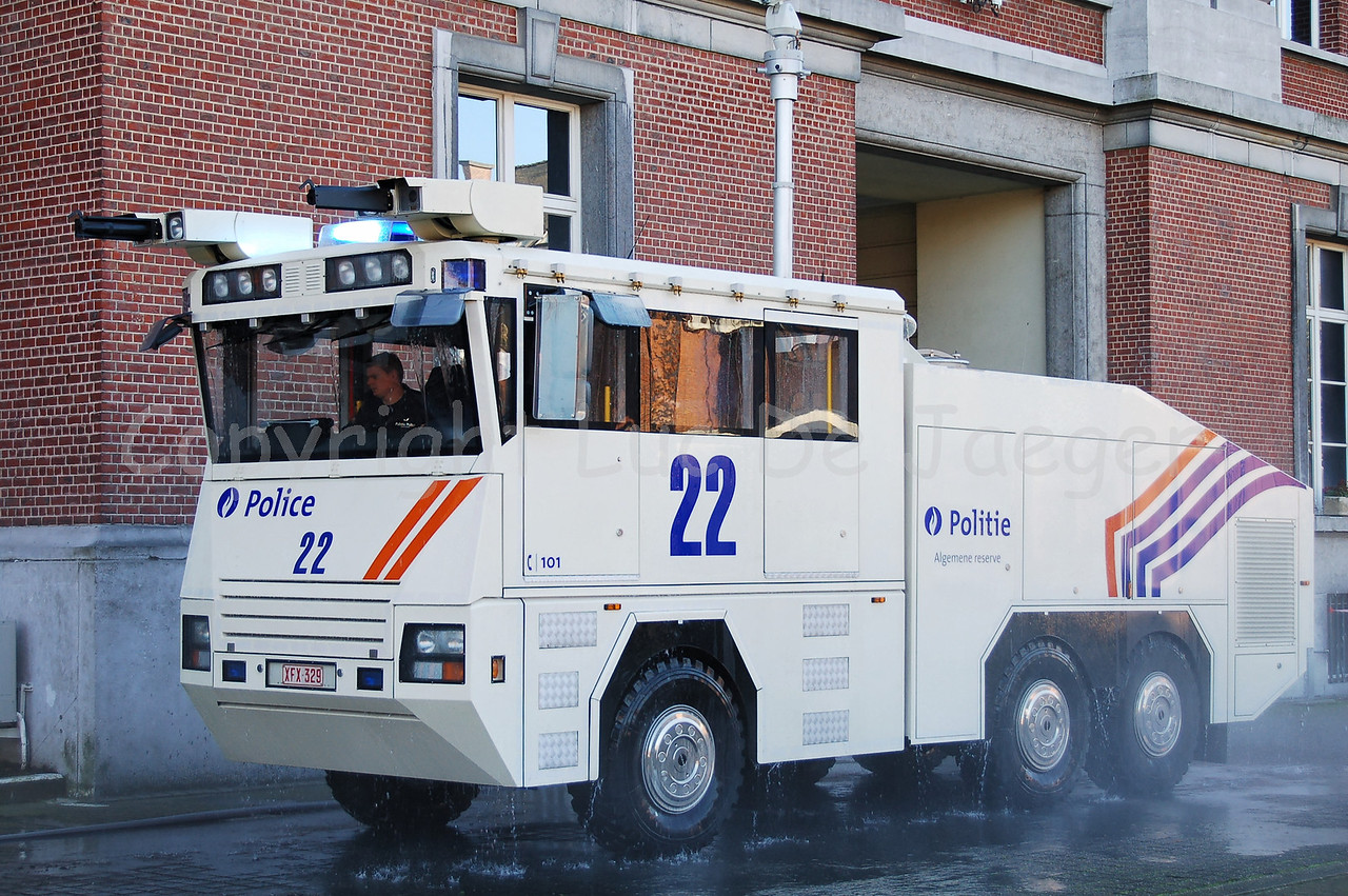 """The brand new Ziegler Wawe 9 water cannon at work. Everywhere around the vehicle are sprinklers that can """"clean"""" the vehicle and extinguish small fires. The Ziegler water cannons will replace the MOL MSB18 6x6 vehicles."""