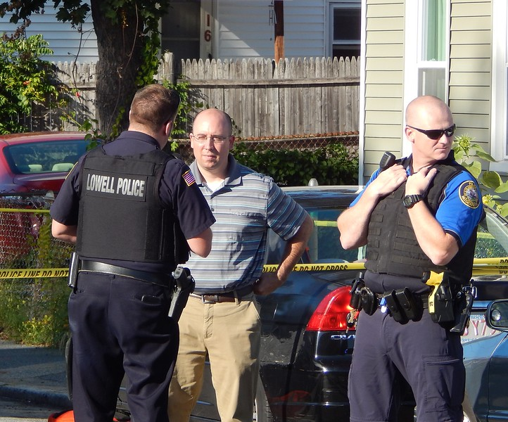 Lowell police confirmed a death investigation is ongoing in the city's Highlands neighborhood. AARON CURTIS/LOWELL SUN