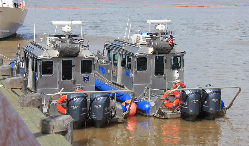 NYPD boats rear