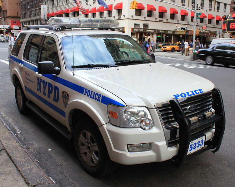 NYPD Ford Explorer #5233 (ps)
