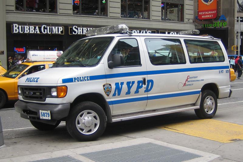 NYPD #5879 Ford Econoline Van