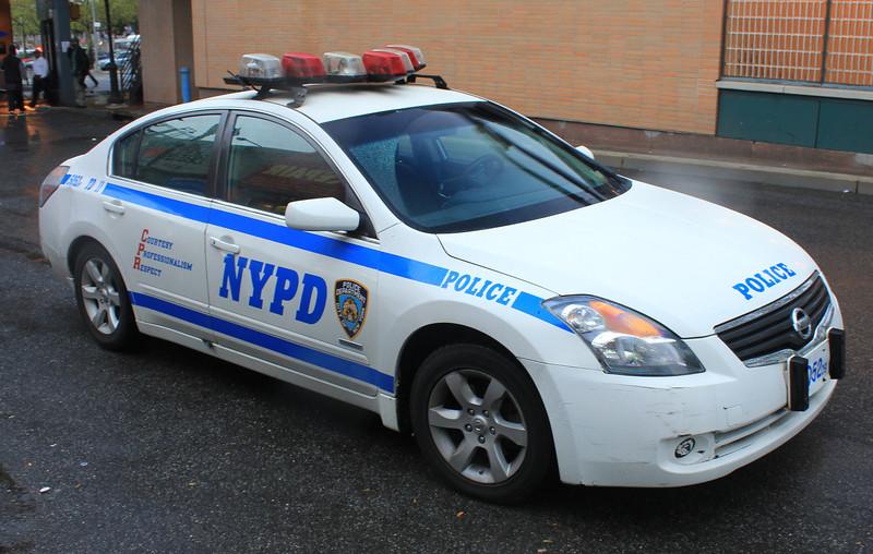 NYPD 2009 Nissan Maxima #5052 (ps)