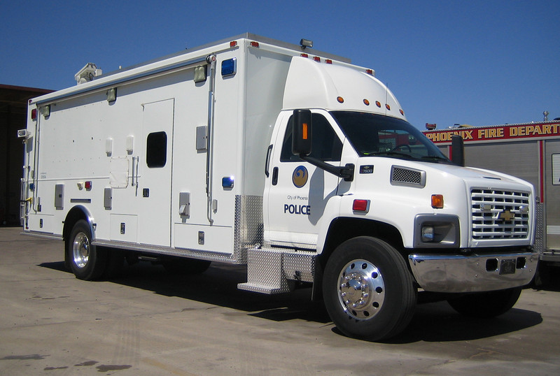 PHX Bomb Squad 2005 Chevy C7500 #531074 (ps)