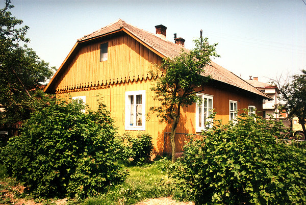 GAWRZYLOWA - On the western hill now, a house from the late 1800s.