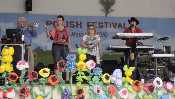 Edita Rybak and Renata Kimakova singing at the 4th Annual Houston Polish Festival.  Music by Chris Rybak and Bernard Tupa 4th Annual Polish Festival Houston, Texas May 2, 2010