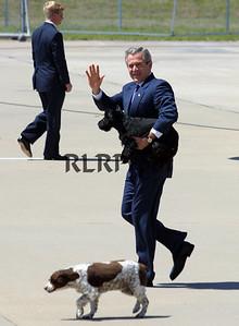 POTUS George W Bush & his Dogs 4-03
