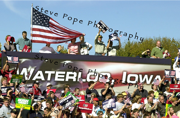 A crowd estimated at 5,000 greeted President George W. Bush at a late morning rally in Waterloo, Iowa Saturday Oct. 10, 2004. The day after the second of three debates with Sen. John Kerry the Democratic opponent, Bush was back on the campaign trail. (EPA/Steve Pope)