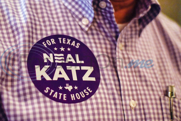 A man wears a Neal Katz sticker during a midterm election watch party for independent candidate Neal Katz at Stanley's Famous Barbecue in Tyler, Texas, on Tuesday, Nov. 6, 2018. (Chelsea Purgahn/Tyler Morning Telegraph)