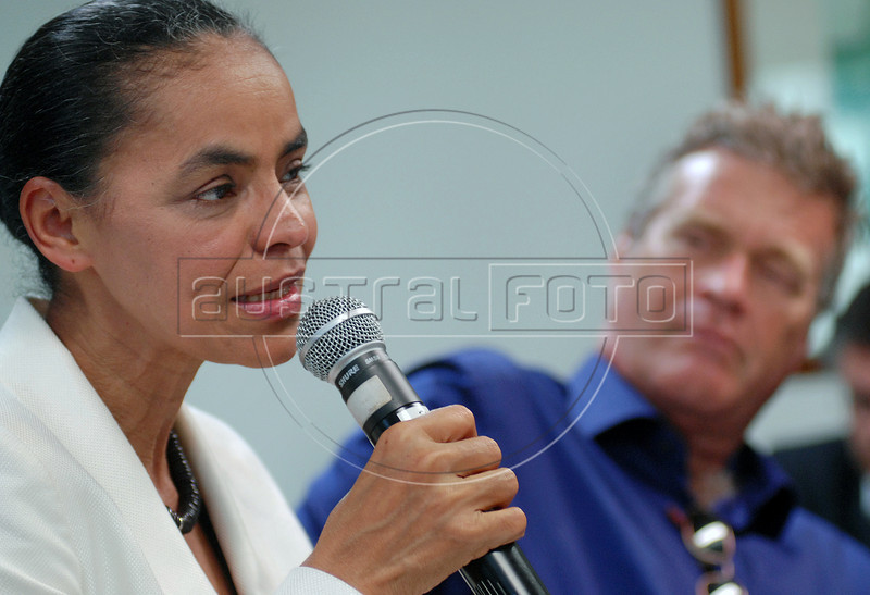 Presidential candidate Marina Silva, left, of the Green Party speaks during a press conference with foreign media correspondents, Rio de Janeiro, Brazil,  August 20, 2010. In the back Alfredo Sirkis, one of founders of Green Party. Brazil will hold presidential elections on October 3. (Austral Foto/Renzo Gostoli)