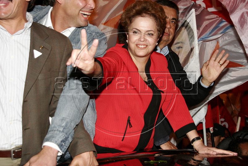 Presidential candidate Dilma Roussef of PT,  Partido dos Trabalhadores, (Workers Party) participates with Brazilian president Inacio Lula da Silva at an electoral campaign meeting, Rio de Janeiro, Brazil, September, 2010. Brazil will hold presidential elections on October 3. (Austral Foto/Christian Rodrigues)