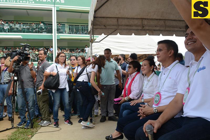Grace Poe and Chiz Escudero in Toledo City, Cebu