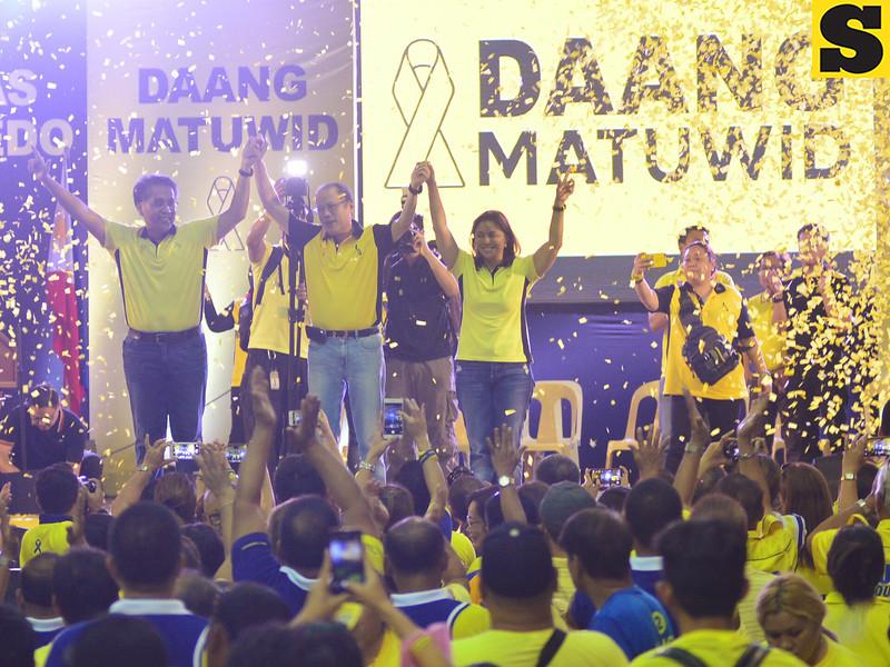 Aquino endorses Mar Roxas and Leni Robredo in Cebu political rally