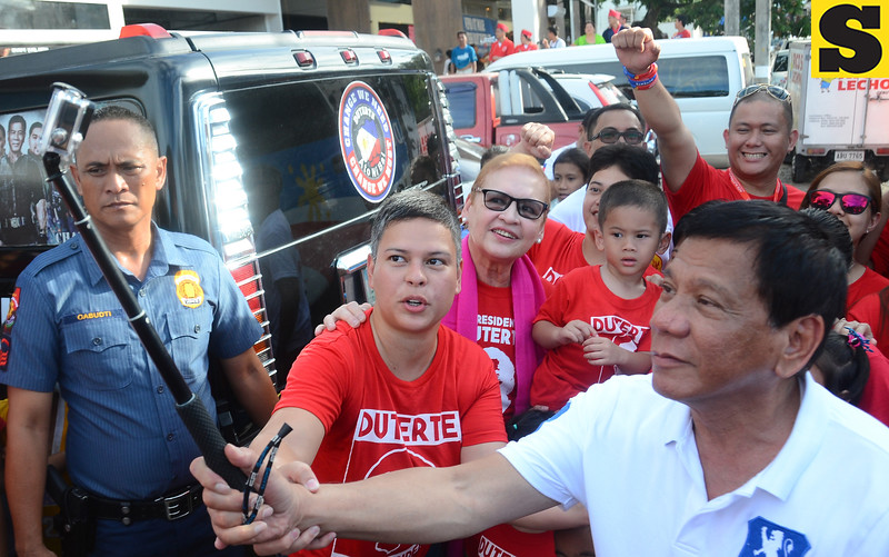 Duterte family groufie picture
