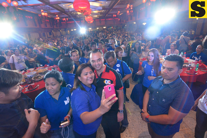 PDP-Laban vice presidential candidate Alan Peter Cayetano takes a selfie pose