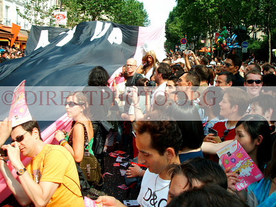 """Paris, Demonstrations, News you don't see in the Mainstream Media... """" We are the Media"""""""
