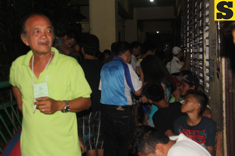 People waiting for proclamation of barangay elections winners