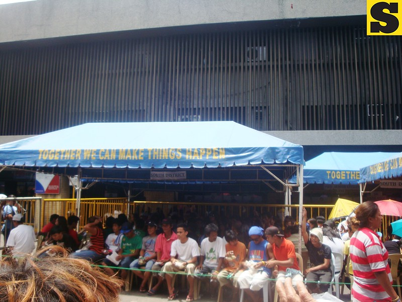 Many have waited for their voter registration forms to be processed on Monday, July 29, 2013, eight day of the registration for the Sangguniang Kabataan and barangay elections.  (Photo by Karen Table, PIT intern/Sunnex)