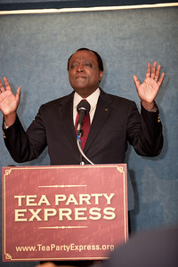 Alan Keyes was one of more than a dozen African American conservatives gathered in Washington DC on August 4, 2010 to help the Tea Party Express fights back against accusations of racism.  Keyes is a conservative political activist, author and a former diplomat in the Reagan Administration. (Photo by Jeff Malet)
