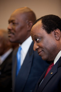 Alan Keyes (on right) was one of more than a dozen African American conservatives gathered in Washington DC on August 4, 2010 to help the Tea Party Express fight back against accusations of racism.  Keyes is a conservative political activist, author and a former diplomat in the Reagan Administration. (Photo by Jeff Malet)