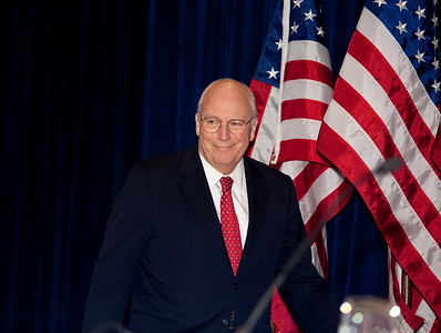 Dick Cheney makes a surprise appearance