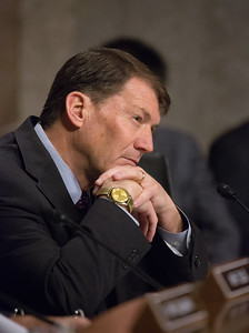 Senator Mike Rounds, General John F. Campbell