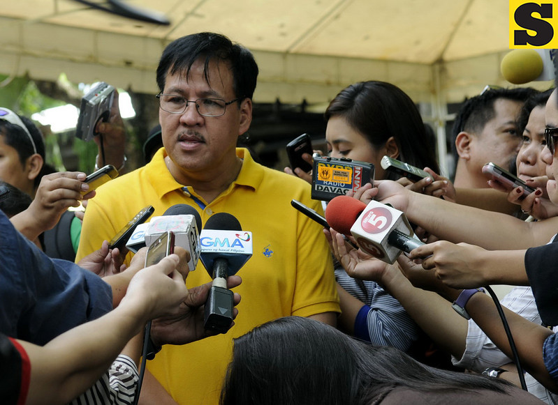 Department of Interior and Local Government (DILG) Secretary Jesse Robredo faces reporters in Danao City, Cebu. The DILG Secretary was in Danao with President Noynoy and other members of the Liberal Party for the birthday of Vice Mayor Ramon Durano III. (Allan Cuizon)
