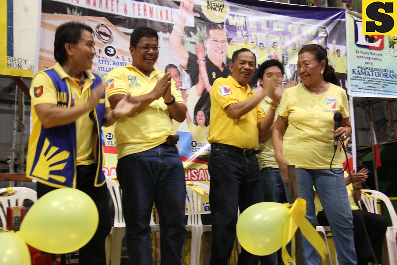 CEBU. Liberal Party bets in Talisay City dance with Acting Governor Agnes Magpale. (JAC)