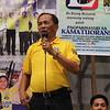 CEBU CITY. Johnny delos Reyes speaks before the local LP campaign at San Roque, Talisay City, Cebu.