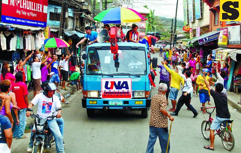 UNA campaign visit in Cebu