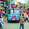 "UNA'S FIRST.  The United Nationalist Alliance (UNA) holds its first campaign activity in Cebu, starting with a motorcade in the cities of Talisay, Cebu and Mandaue.  Cebu Governor Gwendolyn Garcia (right) joins UNA's national figures -- including Vice President Jejomar Binay, Senate President Juan Ponce Enrile and son Jack, senatoriables Miguel Zubiri and Milagros ""Mitos"" Magsaysay -- on a truck. (Sun.Star Photo/Alex Badayos)"