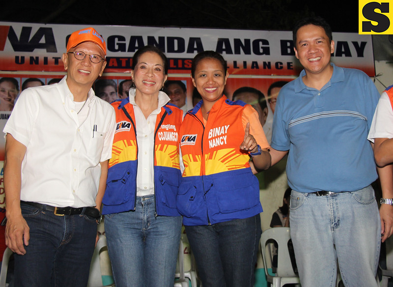 PAMPANGA. UNA Senatorial candidates Nancy Binay and Former Tarlac Gov. Ting-Ting Cojuangco join local bets, aspiring City of San Fernando Vice Mayor Jimmy Lazatin and City Councilor Pol Quiwa during Wednesday's UNA rally at Barangay Sto. Nino, City of San Fernando. (Chris Navarro)