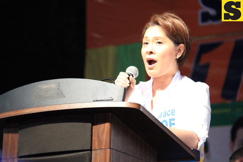 UNA proclamation rally. Actress Cheryl Cruz speaks in behalf of senatorial candidate Grace Poe-Llamanzares. (Photo by Daryl D. Anunciado of Sunnex)