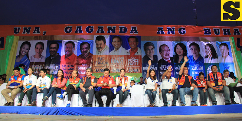 UNA proclamation rally. (From left) Migz Zubiri, Cheryl Cruz, Ryan Poe-Llamanzares, Mitos Magsaysay, Ernesto Maceda, Gringo Honasan, Dick Gordon, Tingting Cojuanco, Gwen Garcia, Pablo John Garcia, Jack Enrile, Nancy Binay, JV Ejercito Estrada and Antonio Legarda. (Photo by Daryl D. Anunciado of Sunnex)