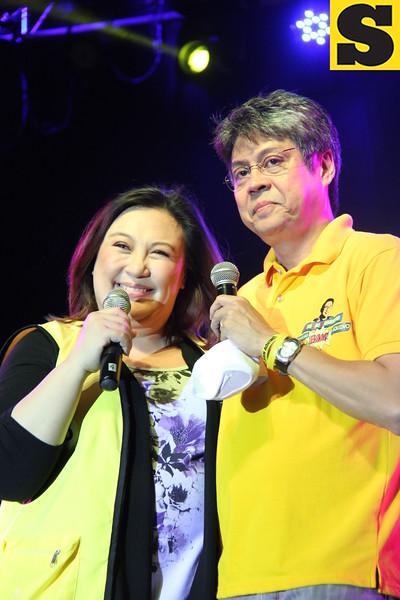 Senator Kiko Pangilinan with wife Megastar Sharon Cuneta joins the 2013 Rock the Vote concert at Fuente-Osmena Circle, Cebu City on May 9. (Photo by Jonathan Vincent C. Tan)