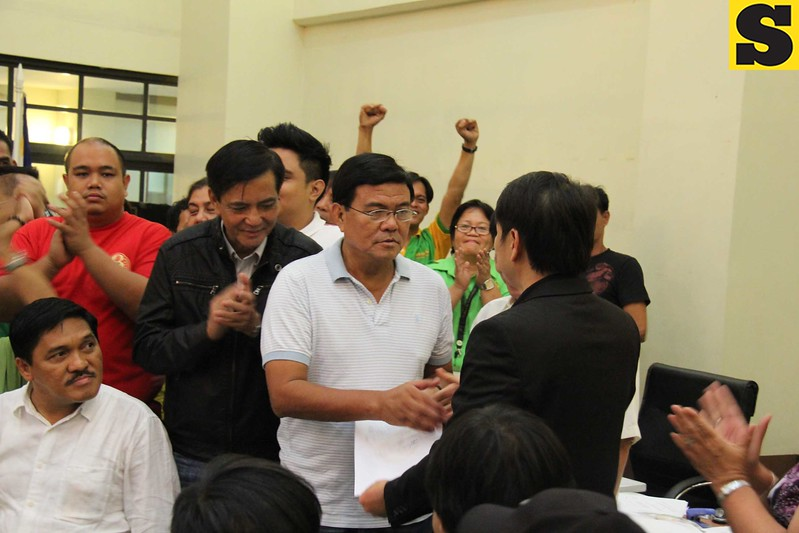 Edgar Labella gets certificate of proclamation