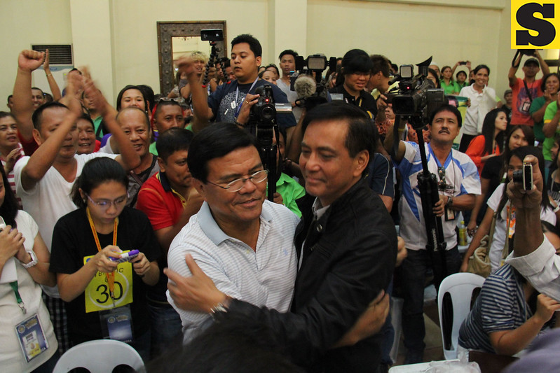 Mike Rama congratulates runningmate Edgar Labella