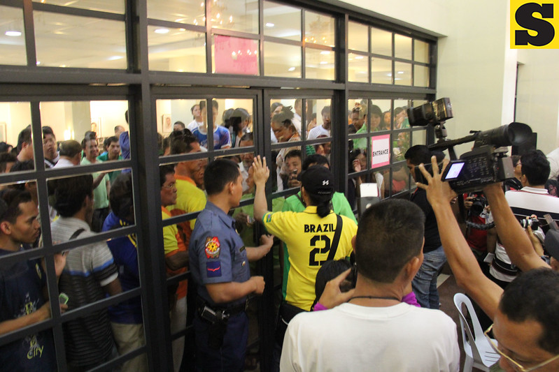 Team Rama supporters prevented from entering canvassing area