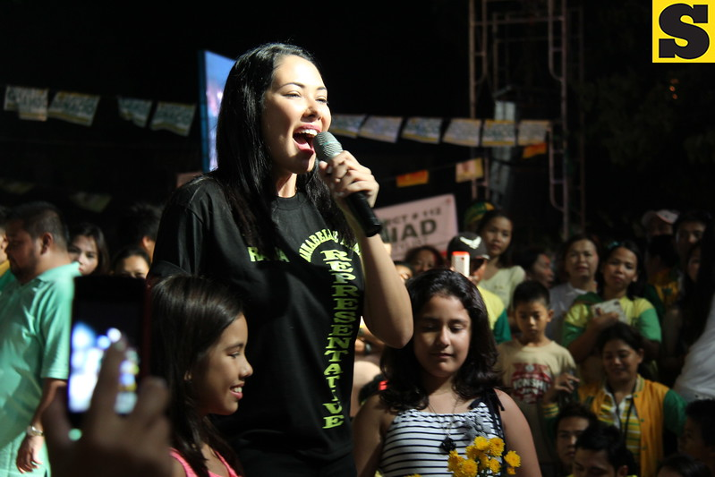 CEBU. Actress Ruffa Guitterez, together with her two daughters, campaigns for her mom, Annabelle Rama, who  seeks for a congressional seat in the north district of Cebu City . (Daryl D. Anunciado photo)