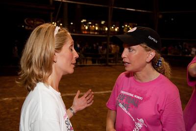 Team captains Dana Bash (CNN) and Rep. Debbie Wasserman Schultz (D-FL)
